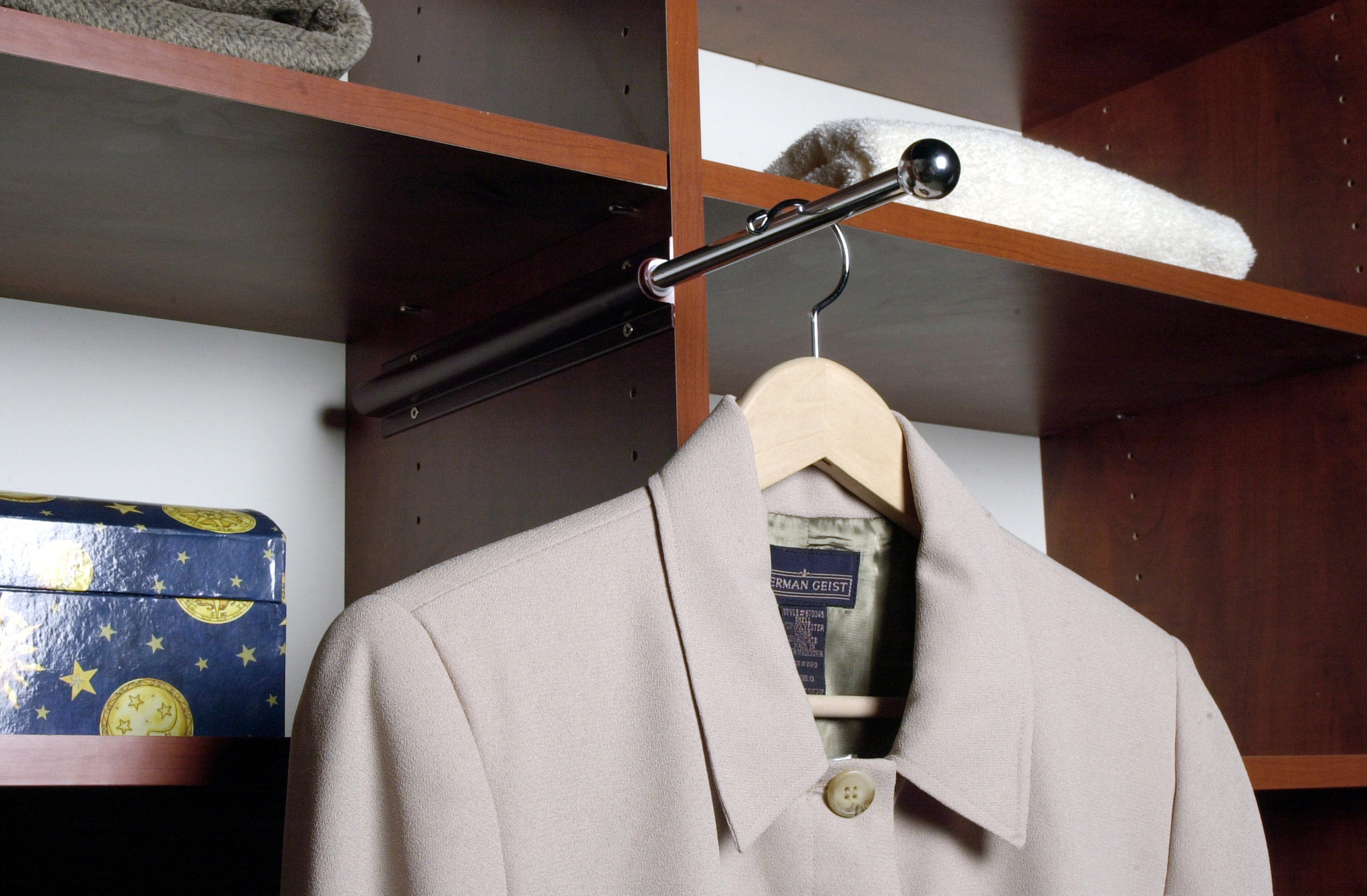 Awesome Retractable Valet Rod. Closets